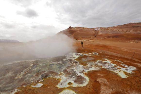 Radiant mineral deposits